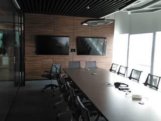 Diseñó en Madera. Office spaces & stores Kayu Lapis Grey