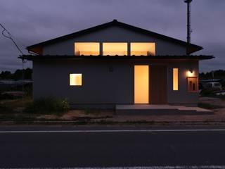 休耕地の家~女性のための住宅~ の 前見建築計画一級建築士事務所(Fuminori MAEMI architect office) モダン
