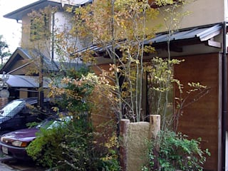庭 遊庵 Eclectic style gardens