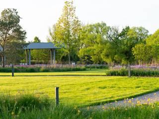 من ARCADIA GARDEN Landscape Studio