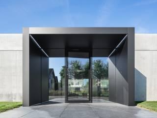 Edificios de oficinas de estilo industrial de lc[a] la croix [architekten] Industrial