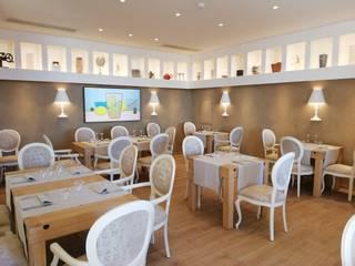 Classic style dining room by dMa_Davide Merigo Architetto Classic