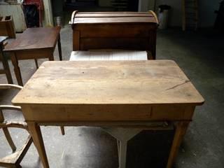 TAVOLO SCRITTOIO RESTAURO ARREDAMENTO RESTYLING IN LEGNO ARTIGIANALE 100 Gli Artigiani dei f.lli M.& S. Cordi snc StudioScrivanie Legno Effetto legno
