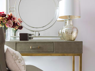 HIGH RISE GLAMOUR Classic style dressing room by Anouska Tamony Designs Classic