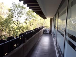 Oficinas Solar City de TR arquitectos Minimalista