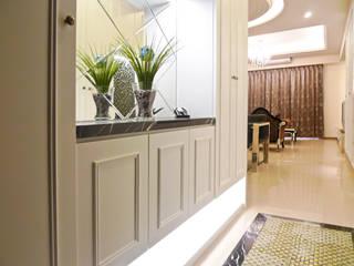 麗寶世紀館 經典風格的走廊,走廊和樓梯 根據 亞晨室內裝修設計工程有限公司 古典風