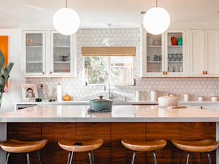 White kitchen Modern Kitchen by Angelina Mora Designs Modern