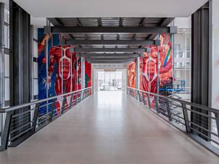 Modern Corridor, Hallway and Staircase by Arquitectura Avanzada Modern
