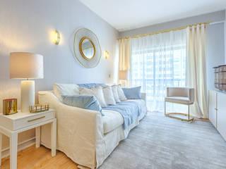 Project - Small Contemporary Living Room Salas de estar modernas por LojaQuerido by Ana Antunes Moderno