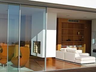 Vivienda Andalue Livings de estilo moderno de Estudio 71 Arquitectos Moderno