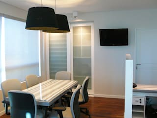 Showroom / Atlántico Arqs Estudios y despachos modernos de ATLANTICO ARQS Moderno