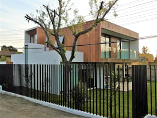 CASA ECHEÑIQUE 2 , LA REINA Martin Rojas Arquitectos Asoc. Chalets