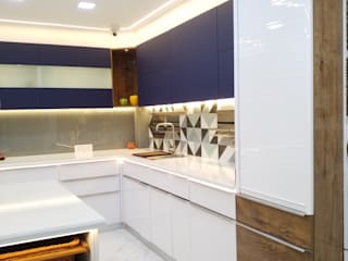 Modern kitchen by ONYX DESIGNER STUDIO Modern