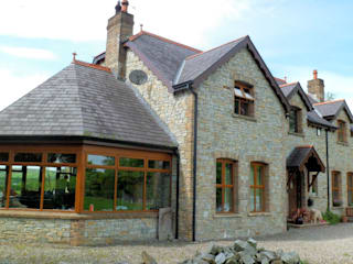 Farmhouse - County Tyrone: country  by Landmark Designs, Country