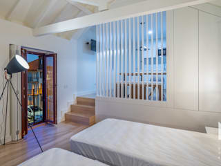 Phòng ngủ phong cách hiện đại bởi ARTEQUITECTOS Hiện đại
