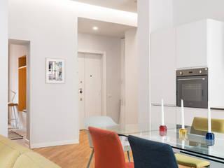 Casa MK Sala da pranzo moderna di Grippo + Murzi Architetti Moderno