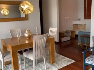 ANA ESTRADA DISEÑO INTERIOR Modern Dining Room Wood Grey