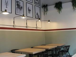 ALMA DESIGN Salas de jantar ecléticas