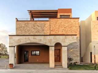 Casas de estilo colonial de VillaSi Construcciones Colonial