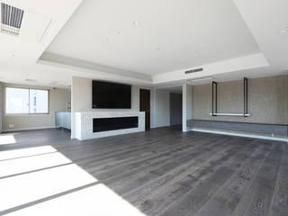 Modern Living Room by 株式会社井蛙コレクションズ Modern