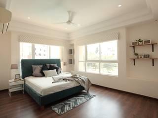 Saloni Narayankar Interiors Dormitorios pequeños Madera Azul