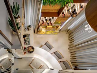 Residencia em Condominio I Adegas modernas por Viviane Busch Arquitetura & Interiores Moderno