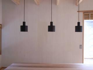 修学院の住宅 北欧デザインの ダイニング の 奥村幸司建築設計室 北欧