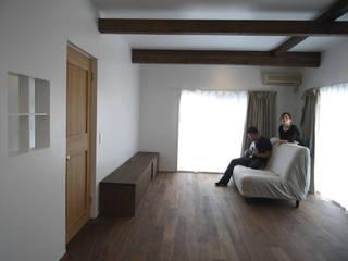 安土の住宅 モダンデザインの リビング の 奥村幸司建築設計室 モダン