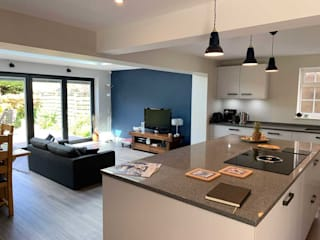 Concept 17 kitchens Modern kitchen Solid Wood Beige
