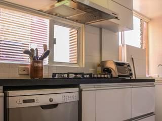 Cocinas de estilo minimalista de ENSAMBLE de Arquitectura Integral Minimalista