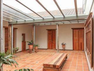 Jardines de estilo minimalista de ENSAMBLE de Arquitectura Integral Minimalista