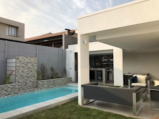 Терраса в средиземноморском стиле от Triptico Diseño y Construcción Средиземноморский