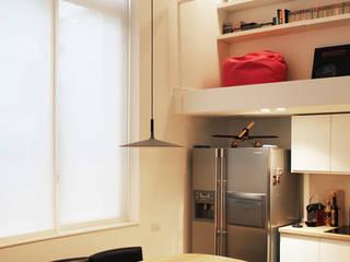 Residenze 900 Onice Architetti Cucina attrezzata Legno Bianco