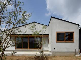 Modern houses by 株式会社 井川建築設計事務所 Modern