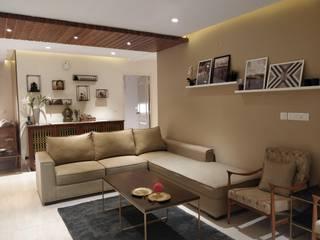 Living room Saloni Narayankar Interiors Modern living room Solid Wood Beige