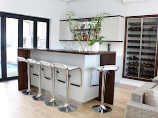 House - Sunset Links: modern  by Gardner Interior Concepts, Modern