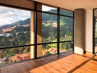 Modern Study Room and Home Office by Konrad Brunner Arquitectos Modern