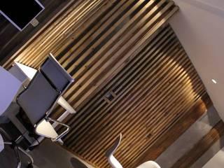 Showroom Ciudad Muebles / Atlántico Arqs Salones minimalistas de ATLANTICO ARQS Minimalista