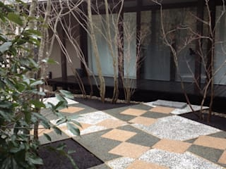 庭 遊庵 Jardines de estilo moderno