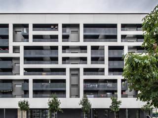 Vivienda Colectiva María Lakuntza Casas de estilo moderno de EQUITONE Moderno