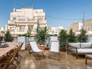 Ático en Hernán Cortés Balcones y terrazas de estilo moderno de Destudio Arquitectura Moderno