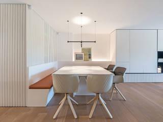Modern dining room by MANUEL GARCÍA ASOCIADOS Modern