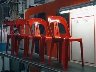 Palmiye Koçak Sandalye Masa Koltuk Mobilya Dekorasyon Balcones y terrazasMobiliario Plástico Rojo