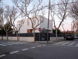 Minimalist houses by CABRÉ I DÍAZ ARQUITECTES Minimalist