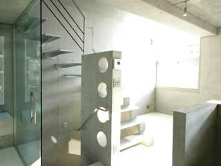 八幡邸 奥迫眞一建築設計事務所 狭小住宅 コンクリート メタリック/シルバー