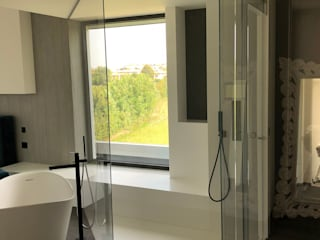 Modern style bathrooms by Vivere il Vetro Modern