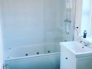 Whirlpool Bath Install The Whirlpool Bathshop Modern bathroom Plastic White