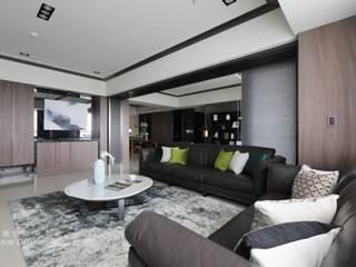 天晴空間設計│住宅空間│若山牧水‧嵐彩。 现代客厅設計點子、靈感 & 圖片 根據 天晴空間設計 現代風