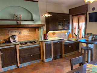 Cucina rustica di il falegname di Diego Storani Rustico