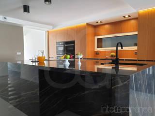 Cozinhas Cozinhas minimalistas por Intempornânea Minimalista